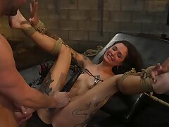 Luna Lovely is screaming encircling pleasure during bondage sex