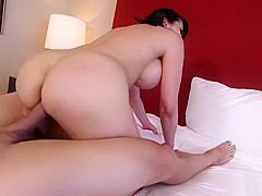 Amber Chase pretends to be an amateur to get work