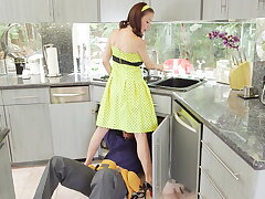 McKenzie Lee lonely housewife gets brim-full nearby 2 monster cocks