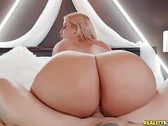 Cash Snatch - blonde PAWG Julie Cash riding big dick of well endowed Alex Legend - reality hardcore
