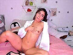 Depreciatory slut heart-stopping webcam porn clip