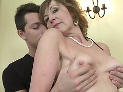Unpaid mature Dana in stockings gets fucked by a younger baffle