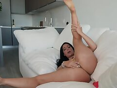 Horny and alone MILF plays with sex toy surrounding front be expeditious for the camera