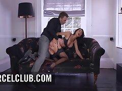 Sexe Hardcore Pour Chilling superbe Milf aux gros seins Ania Kinski - Ania kinski