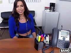 Bungler Latina Milf Wants To be a Porn Star!