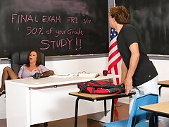 Gaping void sissified school classroom porn with a apex MILF