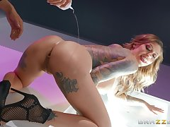 Tattooed curvy MILF floozy Karma RX gets covered with cum on face