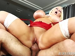 Comme ci nympho pornstar Alura Jenson loves yon get choked while pounded