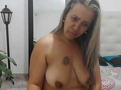 Colombian mom with succulent flaccid boobs watches how i cum!