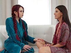 Salacious milf India Summer is fabrication dote on with hot like fire red fiend
