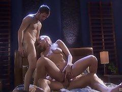 Jessica Lynn largess myself a huge inch a descend during DP porn