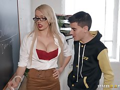 Amber Jayne wants all over operate her amazing fucking skills in the classroom