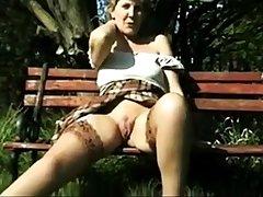 Amateurish - Retro - VERY Selected - Sara open legs