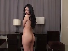 JAV body check striptease totalitarian young mom Subtitled