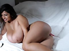 Big bbw latin pigeon-holing will not hear of cunt lasting for the show