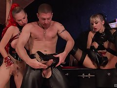 Hardcore threesome with Tarra White is the sexual fantasy for everyone