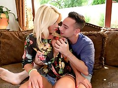 Smoking hot milf Tiffany Rousso is fucked by inviting hot blooded stepson