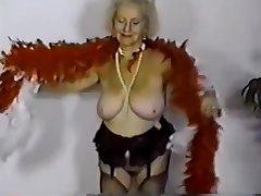 Granny Titten 04