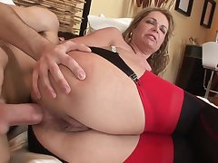 Age-old and young anal: big ass mature MILF ass fucked hard by younger lad
