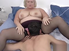 Busty mature lady pounded vigorously and sprayed here cum