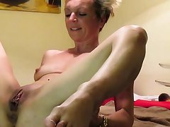 Fucking my nice Milf exposed to Kitchentable