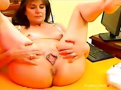 Of age Lady With HOT Pussy