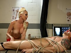 Kinky iatrical simulate and bondage with menacing Mistress Lorelei Lee
