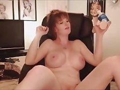 British Cougar is too horny and she does live sex and she likes it to be cam on cam