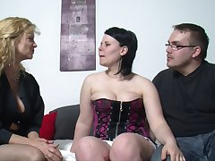 Fat wife spreads the brush legs to be fucked next to the brush best friend