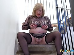 Europe Full-grown Busty Auntie Trisha Exclusively Masturbation