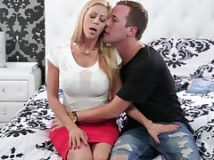 FFM threesome with hot tow-haired babes Alexis Fawx coupled with Elsa Jean